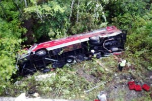 bus fell in to the ravine