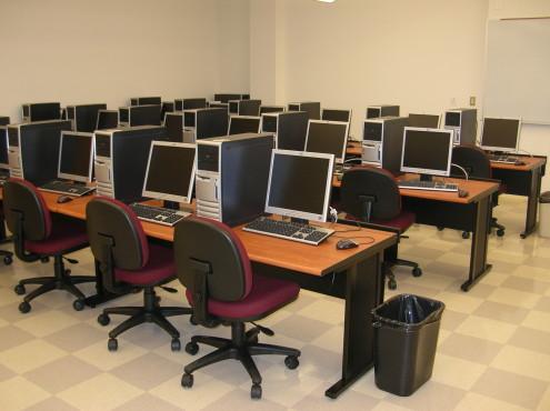 Jamrud-Girls-College-computers-Ayaz-Raza-495x370