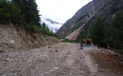 Kailash-road1-495x306