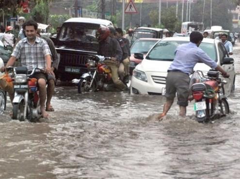 Lahore-Rain-495x371