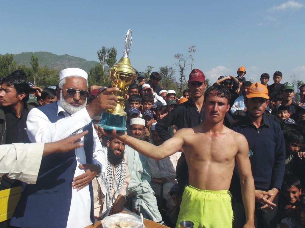 Bunir-sports-story-pic-by-Imranullah-1024x767