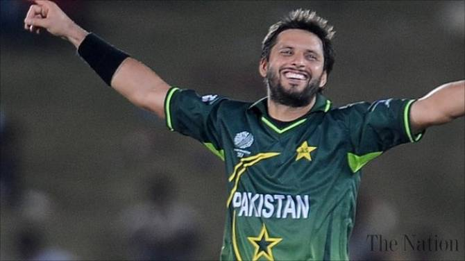 afridi-11-win-exhibition-match-in-bannu-camp-for-displaced-1413988537-9964