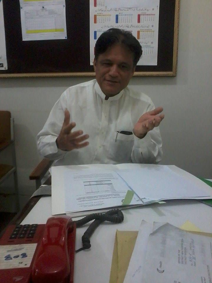 DR Rahim Khattak interview pic by Sayed Aqib ali shah (3)