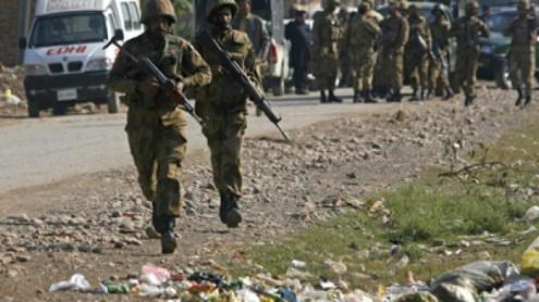 soldiers-taliban-peshawars-militants.si_-495x278