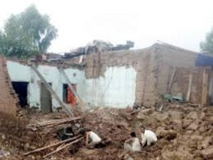 Houses-demolished-in-DI-Khan-300x225